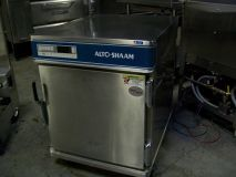 Alto Shaam 1/2 size Roast & Hold Cabinet